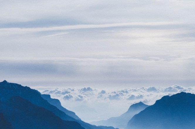 Mountain sky fabrizio-conti-559920-unsplash
